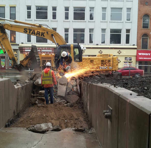 New Visitors center in downtown Bloomington.  Construction work on the new entrance and plaza.  Photo: J. Woodard