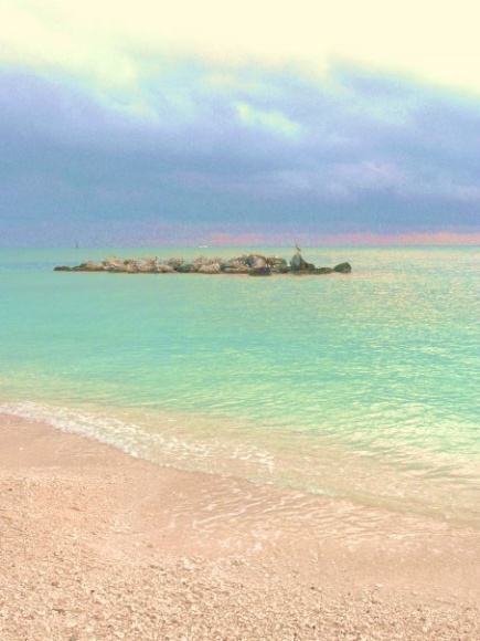 At Ft. Zach-Key West, the pristine waters & horizon define the qualities that have attracted us all to love the Keys